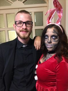 Buonasera, figliuoli. Padre Manno e la sua coniglietta putrefatta vi augurano un felice Halloween. 🎃🐰✝️ #Halloween #presbyter #rabbit #TrueLove