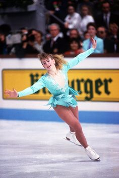 In celebration of 'I, Tonya,' which sees Margot Robbie as Tonya Harding, we're taking a look back at the glitziest of fashions from Harding, Nancy Kerrigan and other figure skating stars. Tonya Harding, Figure Skating Outfits, Figure Skating Costumes, Vanity Fair, Gq, Kurt Browning, Nancy Kerrigan, Nadia Comaneci, Ice Girls