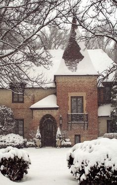 brick house in the snow. love.