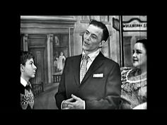 "Frank Sinatra Show ""Torna a Surriento"" (Come Back To Sorrento) RARE 1950 [Remastered] - YouTube"