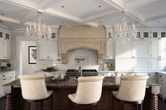 Chandelier Over Island Design Ideas, Pictures, Remodel, and Decor Home Design, Luxury Interior Design, Küchen Design, Design Ideas, Interior Ideas, Modern Interior, Design Elements, Pattern Design, Design Inspiration