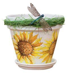 декупаж на цветочном горшке с декоративными элементами