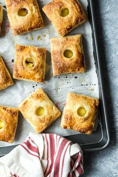 HAND PIES FILLED WITH RHUBARB AND CUSTARD
