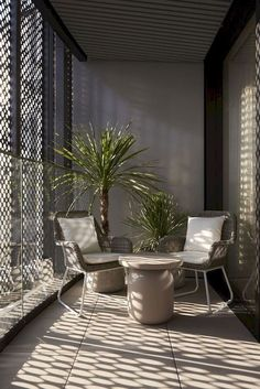 Old Victorian gas tanks are now a chic London apartment complex - Hannah Bell Design - Dekoration - Balcony Furniture Design Modern Balcony, Small Balcony Design, Small Balcony Decor, Small Patio, Small Terrace, The Balcony, Small Balcony Furniture, Balcony Shade, Terrace Design