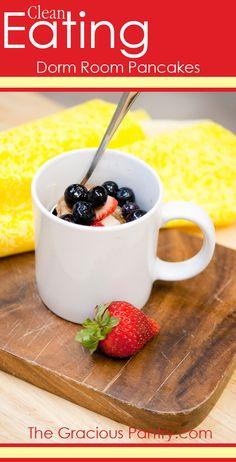 Clean Eating Dorm Room (Microwave) Pancakes! #CleanEating #Breakfast #DormCooking