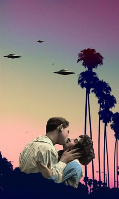 a contribution to Valentine's Day, conspirationists, sci-fi LOVERS and those who know that they are coming to get us:  UFO LOVERS
