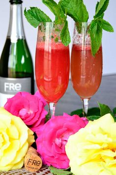 This Fre raspberry bellini is the perfect addition to any spring soiree for all the mom's to be in your life. Fruity, slightly sweet, and alcohol free thanks to Fre.