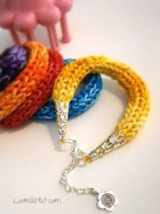 Friendship Bracelet Loom Knitted on a Spool Loom http://www.loomahat.com
