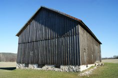 Life on the Farm: A Photo Essay of Old Barns