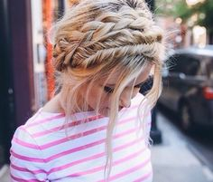 Boho Hairstyles with Braids Bun Updos amp; Other Great New Stuff to Try Out Boho Hairstyles with Braids Bun Updos amp; Other Great New Stuff to Try Out!Boho Hairstyles with Braids Bun Updos amp; Other Great New Stuff to Try Out! Relaxed Hair, Messy Hairstyles, Pretty Hairstyles, Hairstyle Ideas, Summer Hairstyles, Wedding Hairstyles, Hairstyles 2018, Bridal Hairstyle, Headband Hairstyles