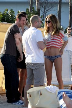 Jason Statham and Rosie Huntington-Whiteley Photos - Jason Statham and Rosie Huntington-Whiteley in Miami - Zimbio