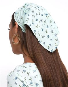 Calling all our festival babes! Line up line up for the cutest bandana your Coachella wardrobe needs! The cute hair accessory taking your outfit to a strong 10! FABRIC CONTENT: 100% VISCOSE