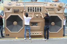 """Giant Cardboard Boombox """"Mini - Ghettoblaster / The Paper Stuff"""" by Bartek Elsner"""