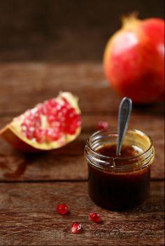 how to : melasse de grenade Chutney, Lebanon Food, Lebanese Cuisine, Yotam Ottolenghi, Vegan Sauces, Pesto Sauce, Food Pictures, Pomegranate, Sweet Recipes