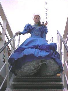 Windy Skirts, Big Skirts, Big Dresses, Satin Dresses, Girls Dresses, Southern Belle Dress, Vintage Ball Gowns, Civil War Dress, Flowing Dresses