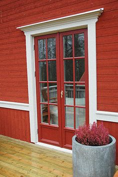 help with abs Ski Lodge Decor, Scandinavian Window, Garden Sitting Areas, Window Trim Exterior, Cottage Inspiration, Concrete House, Scandinavian Home, Classic House, House Exterior