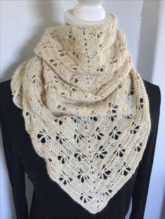 Siri, Crochet Shawl, Rap, Fashion, La Mode, Wraps, Fashion Illustrations, Crochet Scarfs, Rap Music