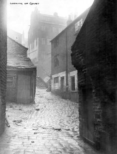 Typical Back to Back Slums in Victorian Sheffield Good Old Times, The Good Old Days, Spirit Photography, Sources Of Iron, Off The Map, Sheffield England, South Yorkshire, A Moment In Time, History Photos