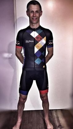 DESIGN YOUR OWN cycling jersey by AGU // Customized Cycling Apparel, designed for Velomedia (Netherlands). Cycling Suit, Cycling Wear, Cycling Jerseys, Bike Kit, Bmx Racing, Team Wear, Sport Bikes, Cool Bikes, Sport Fashion