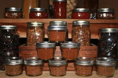 The Heat Is On! Making Fresh Homemade Spices For Chili, Taco's, Pizza and More. - Old World Garden Farms Chutneys, Canning Jars, Canning Recipes, Dried Peppers, Recetas Light, Pizza And More, Homemade Spices, Homemade Products, Homemade Gifts