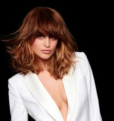 47 Ideas For Hair Cuts Tendence Trends Beauty Stacked Bob Hairstyles, Hairstyles With Bangs, Trendy Hairstyles, Medium Hair Styles, Curly Hair Styles, Corte Y Color, Layered Hair, Great Hair, Hair Dos