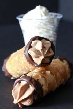 Cannoli with chocolate mousse filling.I have always wanted to eat a cannoli 13 Desserts, Chocolate Desserts, Delicious Desserts, Dessert Recipes, Yummy Food, Nutella Chocolate, Chocolate Filling, Italian Desserts, Dessert Healthy