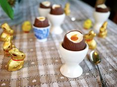 Lemon & Passionfruit Cheesecake Easter Eggs. Really easy, sinfully delicious & perfect for Easter Sunday!