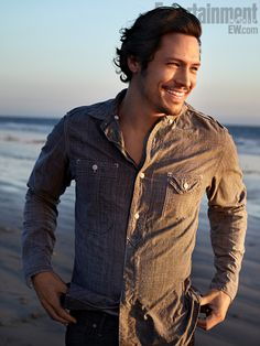 "Nick Wechsler from ""Revenge"" is just ridiculous"