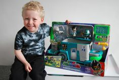 Chic Geek Diary: PJ Masks Romeos Lab Playset - Review & Competition...
