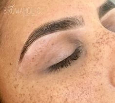Her freckles though Eyebrows Goals, How To Color Eyebrows, Eyebrows On Fleek, Tweezing Eyebrows, Threading Eyebrows, Microblading Eyebrows, Eyebrow Tinting, Eyebrow Makeup, Skin Makeup