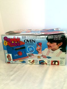 American Greetings Makit & Bakit Oven w/ Care Bear Suncatcher NIB Complete 1984 #AmericanGreetings