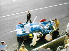 FORD-GT40-MKII-1966-LE-MANS-24-HOURS-HOLMAN-MOODY-MARIO-ANDRETTI-LUCIEN-BIANCHI