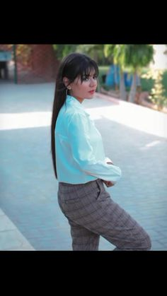 Cute Poses For Pictures, Girly Pictures, Stylish Girls Photos, Girl Photos, Cute Selfie Ideas, All Actress, Cute Lazy Outfits, Innocent Girl, Pakistani Dresses Casual