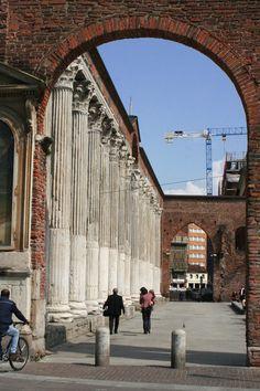 Le colonne di San Lorenzo presso portaTicinese a Milano.