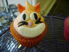 chesire cat cupcake Chesire Cat, Cat Cupcakes, Good Food, Cats, Desserts, Recipes, Fun, Tailgate Desserts, Gatos