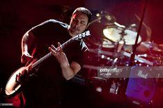 singerguitarist-benjamin-burnley-of-breaking-benjamin-performs-at-pnc-picture-id612920096 (1024×683)