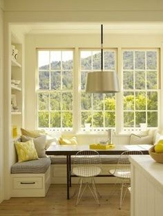 7 Cozy Breakfast Nooks Will Warm You All Over | The Stir