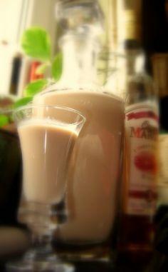 Házi Baileys. 15 perc munka! Cocktails, Drinks, Baileys, Glass Of Milk, Food And Drink, Ethnic Recipes, Foods, Random, Sink Tops
