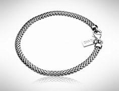 Dit is een perfect afgewerkte Zinzi zilveren armband voor de moderne trendy vrouw.