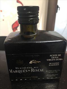 AOVE adquirido en la tienda de la bodega Marqués de Riscal, más marketing que contenido. LA Organic, de cultivo ecológico, no aparece la variedad