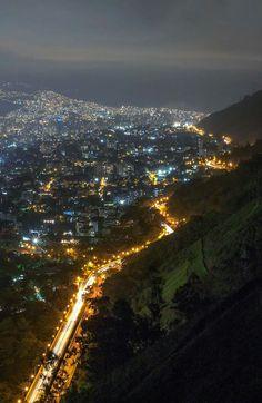 Caracas nocturna - Cota Mil