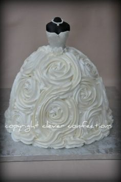 bridal shower cake @Beth J Nativ Nativ Nativ Reinbold - but maybe the style of my dress haha - and cupcakes???