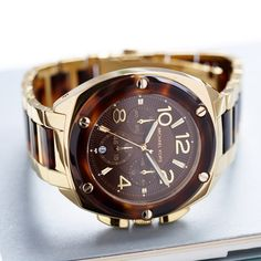 gold watch. want.