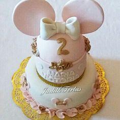 "Torta decorada con fondant. ""Minnie Mouse"". Por: Judith Tortas. Pto. Ordaz. Vzla."