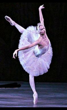 Ballet Feet, Black Swan, Disney Characters, Fictional Characters, Ballet Skirt, Disney Princess, Fashion, Ballerinas, Women