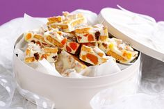 Apricot and white chocolate Granita slice - Get into the spirit of Christmas with these white chocolate and apricot slices. Healthy Desserts, Just Desserts, Dessert Recipes, Cake Recipes, Christmas Lunch, Christmas Cooking, Aussie Christmas, Christmas Hamper, Apricot Recipes