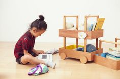 Koloro Wagon - stackable mobile toy storage