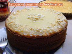 Фото к рецепту: Пирог творожный с белым шоколадом и сметаной заливкой.