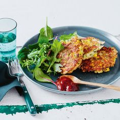 These Courgette and Chicken Fritters are perfect for lunch or dinner, and they're quick and easy to make. Serve with a side salad for a meal everyone will love. Chicken Fritters Recipe, Chicken Recipes, Cooking Chicken To Shred, How To Cook Chicken, Quick Meals, No Cook Meals, Cooking Recipes, Healthy Recipes, Celiac Recipes
