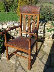 Stunning Arts & Crafts chair with original leather Material: oak Condition: Good.leather no splits or damage Origin: British Circa 1905